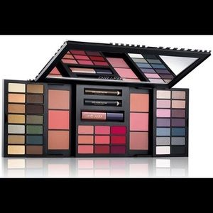 Estée Lauder 46 Hot Shades Palette